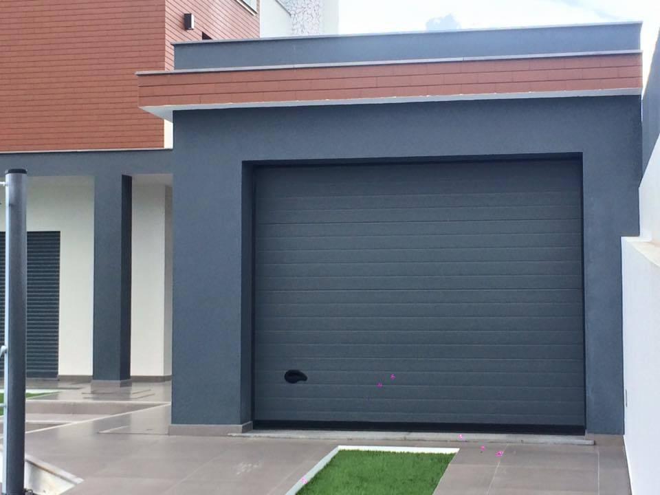 Puerta seccional acanalada rugosa kitdoor - Puerta garaje seccional ...