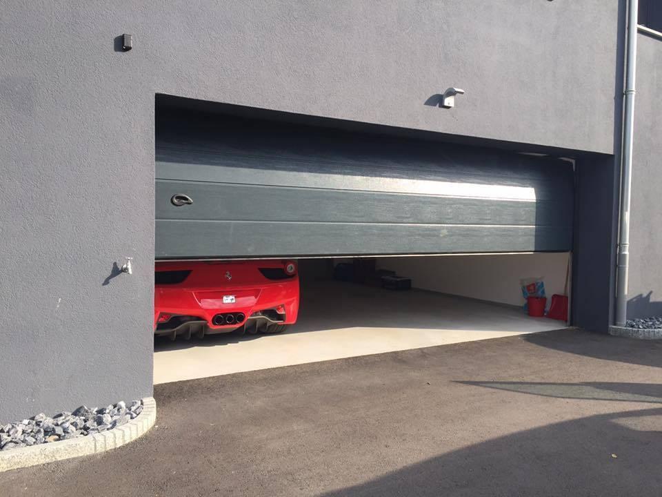 Puerta seccional acanalada kitdoor for Puerta garaje seccional