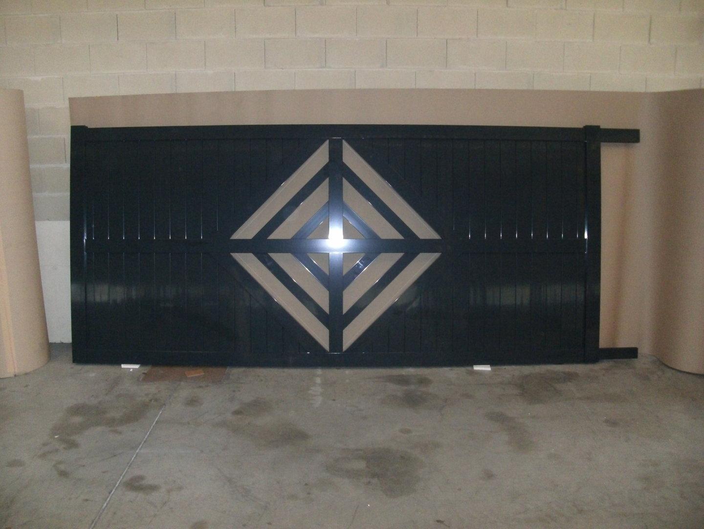 Cuanto cuesta una puerta de garaje bisagra con tensor for Cuanto vale una puerta de madera